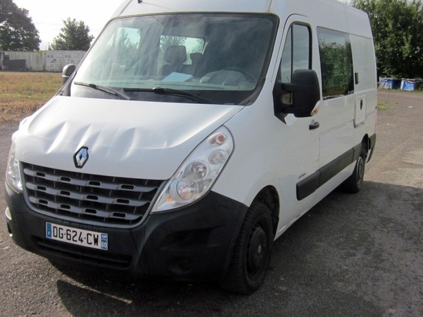 2014-renault-master-equipment-cover-image