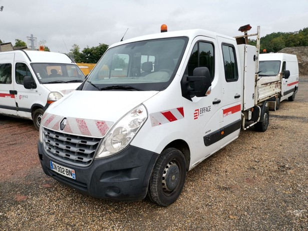 2012-renault-master-460892-equipment-cover-image
