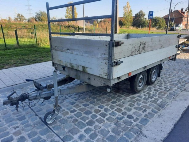 2015-onbekend-2700kg-equipment-cover-image