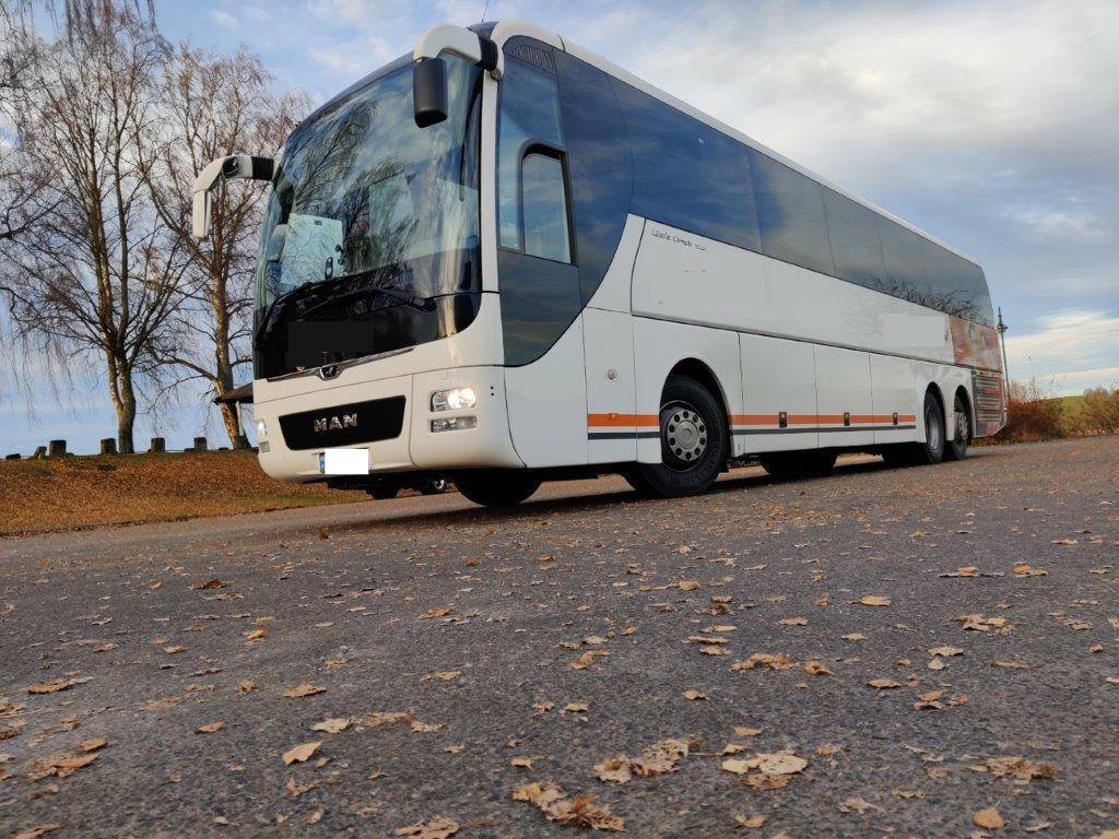 2014-man-lion-s-coach-265377-equipment-cover-image