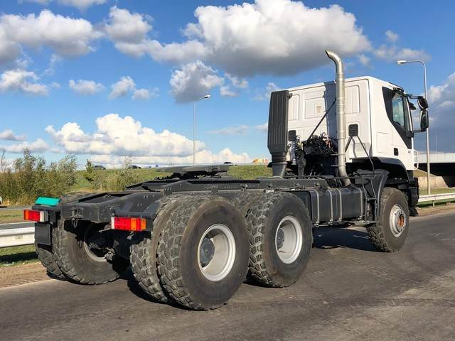 2018-iveco-trakker-at720t42wth-420-6x6-heavy-duty-tractor-hea-15960-cover-image