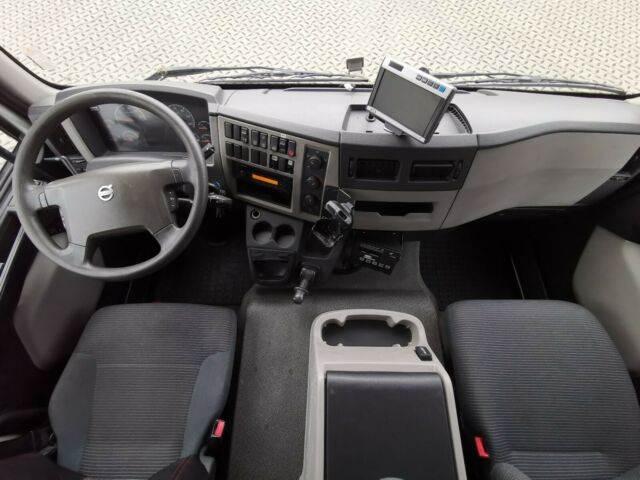2011-volvo-fl-240-111043-13078071