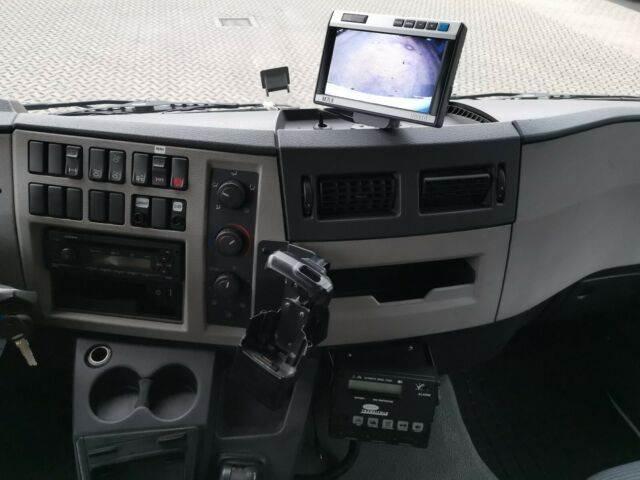 2011-volvo-fl-240-111043-13078072