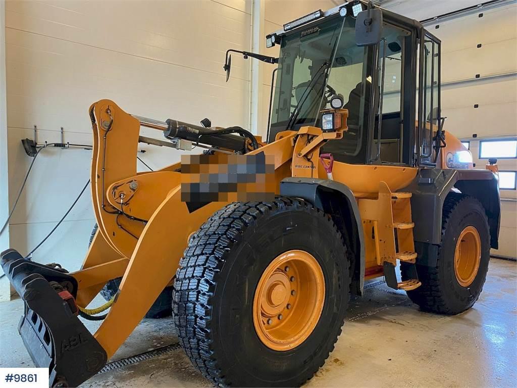 2011-case-621e-369361-equipment-cover-image
