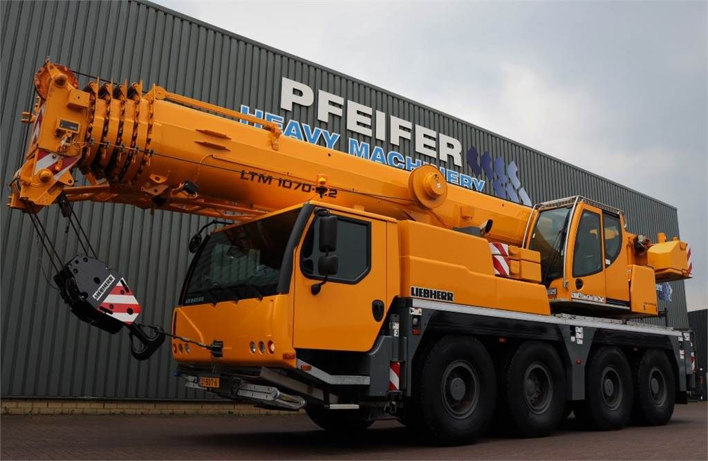 2014-liebherr-ltm1070-4-2-equipment-cover-image