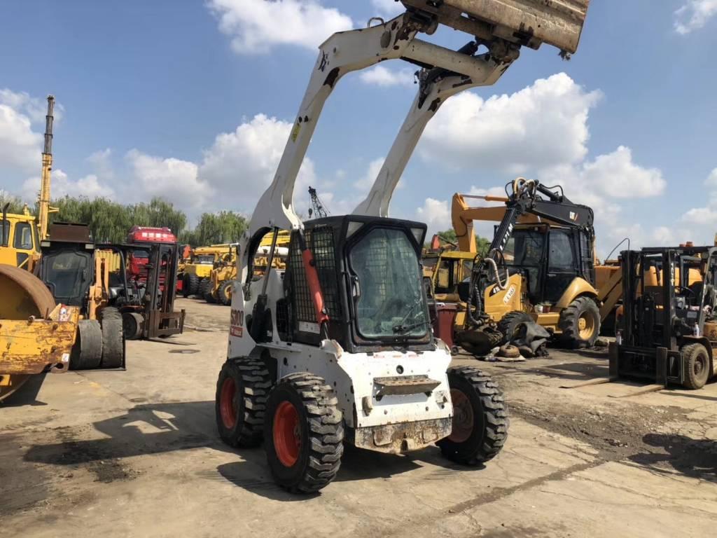 2016-bobcat-s300-394494-equipment-cover-image