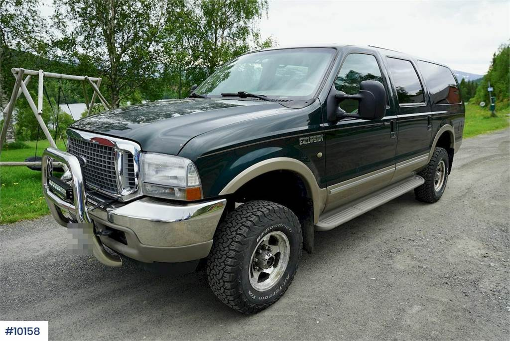 2002-ford-excursion-equipment-cover-image