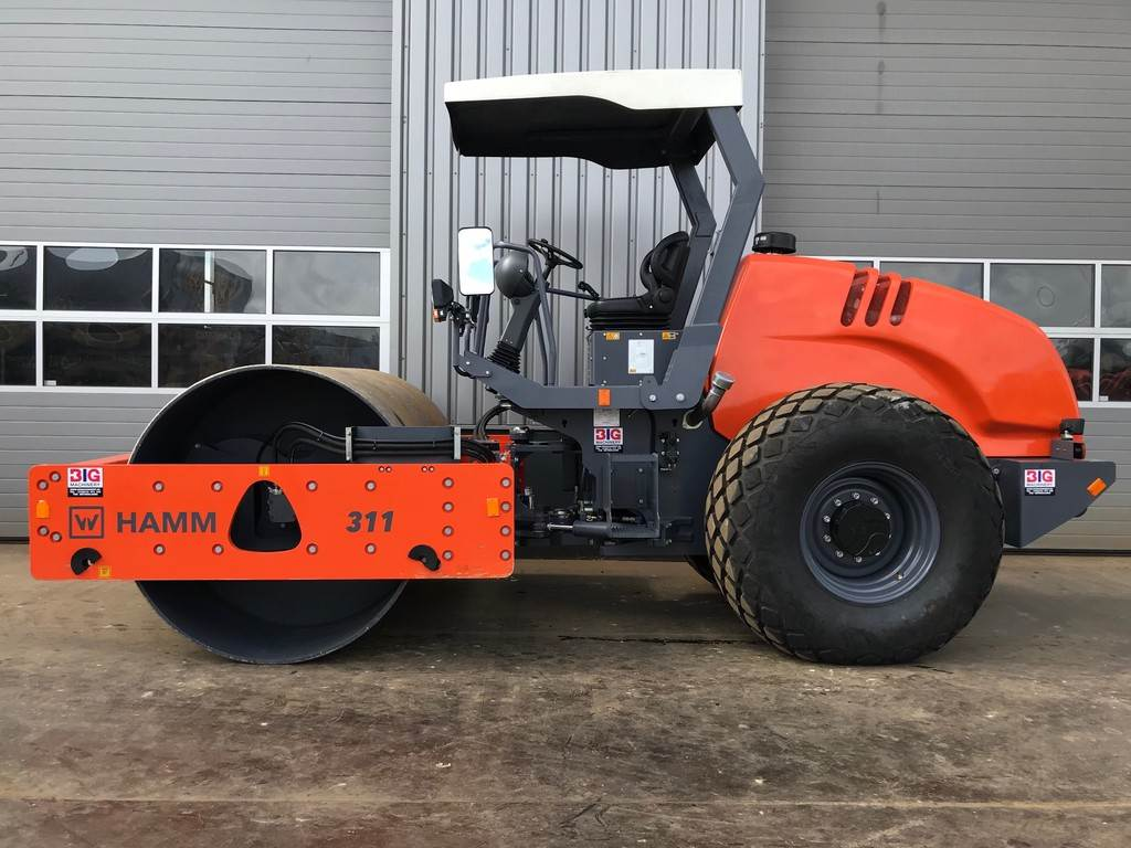 hamm-311-397497-equipment-cover-image