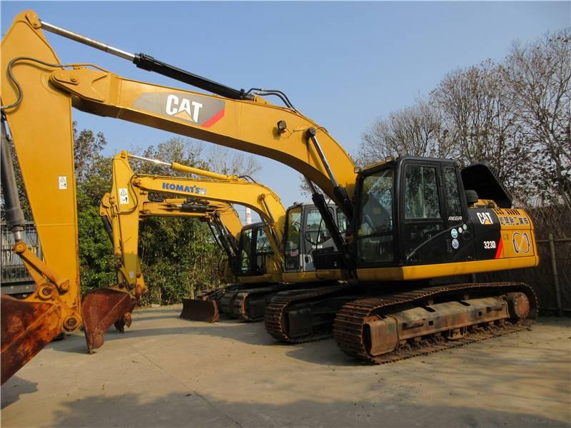 2015-caterpillar-323-equipment-cover-image