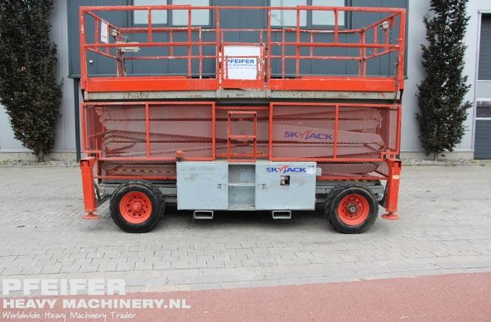 skyjack-sj9250rt-diesel-4x4-drive-17m-working-height-ro-1294-cover-image