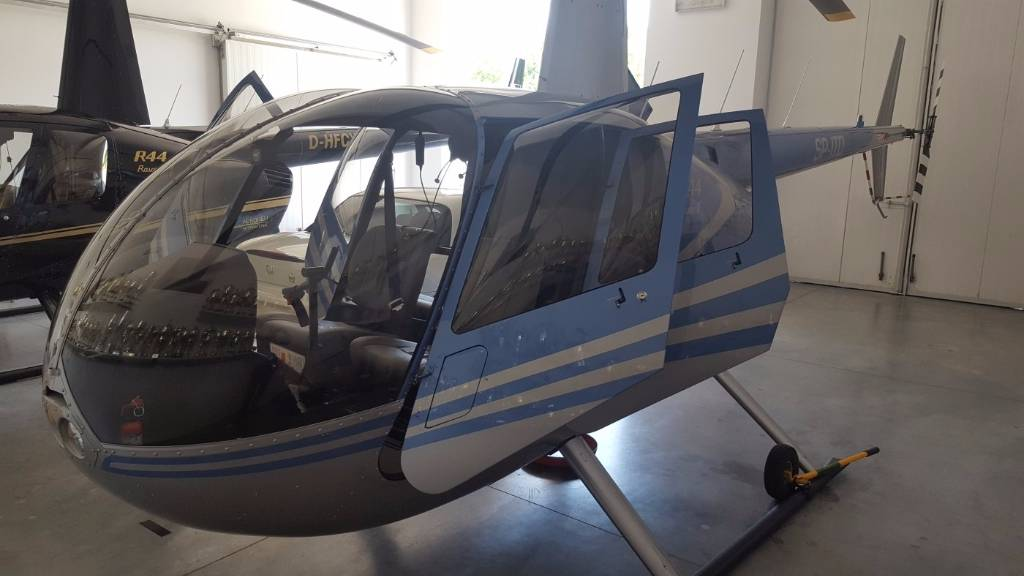 2016-robinson-helicopter-r44-raven-ii-new-cover-image
