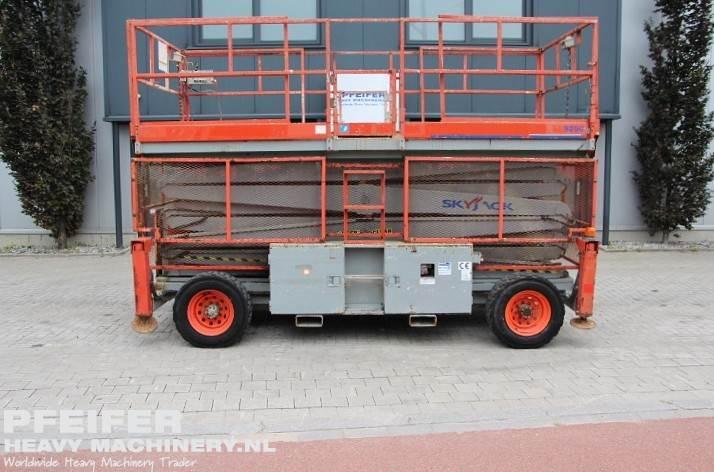 skyjack-sj9250rt-diesel-4x4-drive-17m-working-height-ro-1293-cover-image