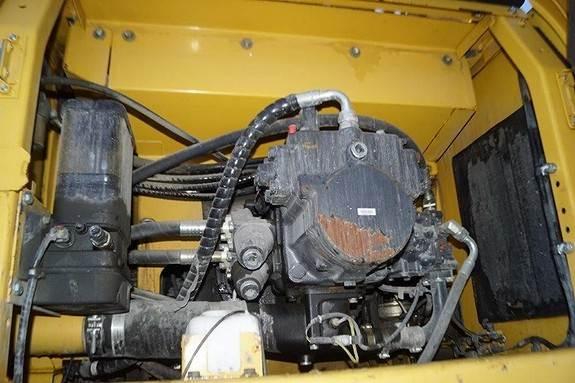 komatsu-pc490-10-58647