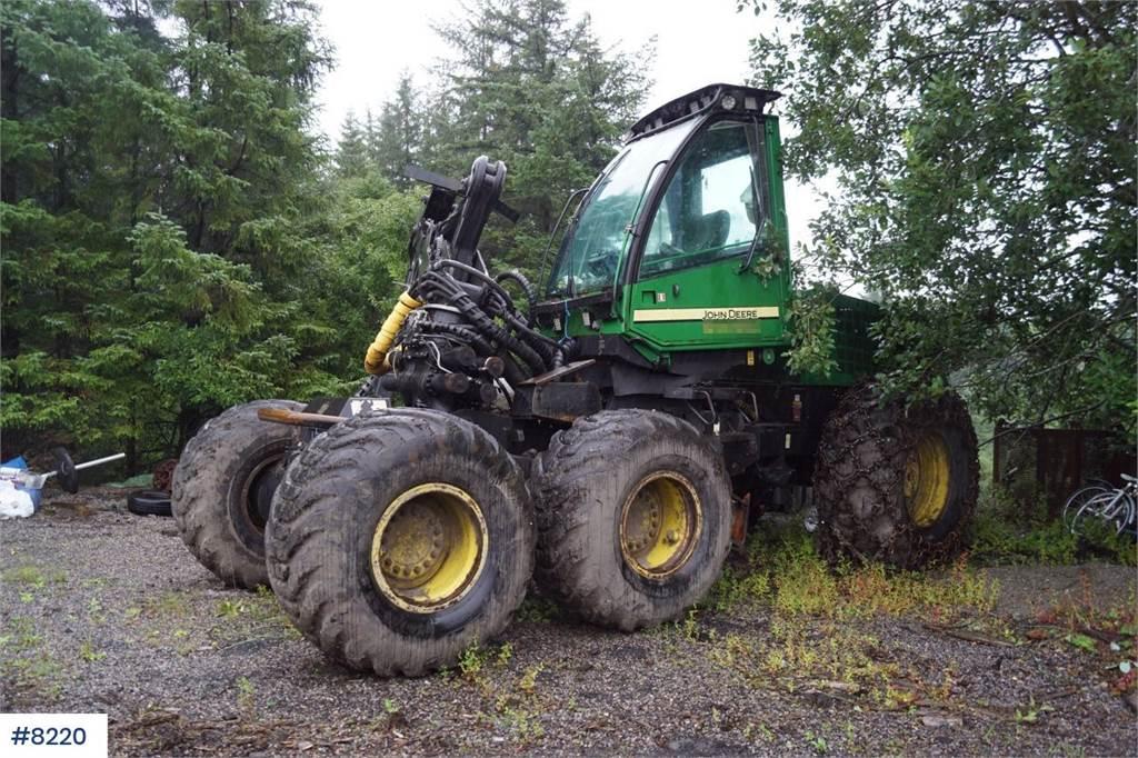 2005-john-deere-1470d-equipment-cover-image
