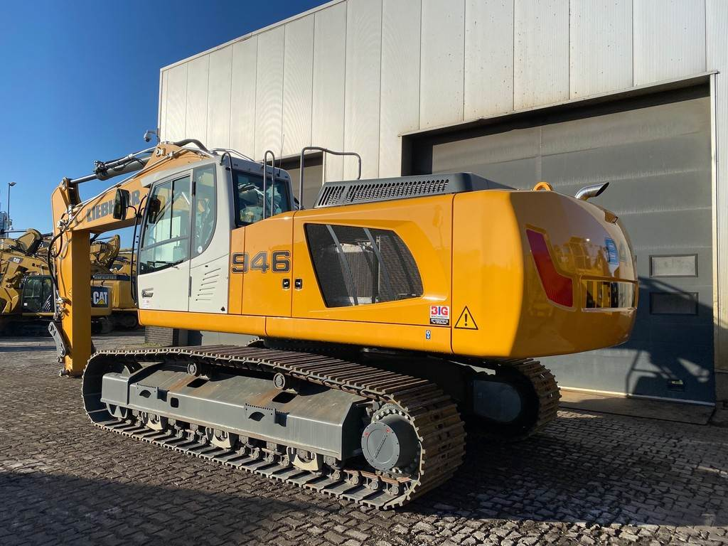 2018-liebherr-r946lc-348532-equipment-cover-image