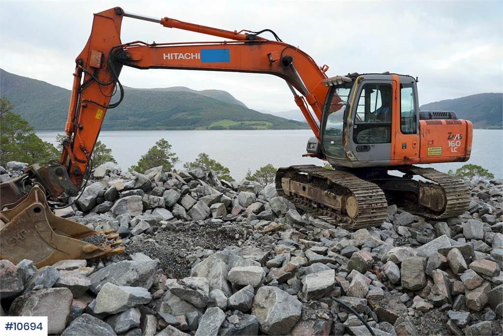 2004-hitachi-zaxis-160lc-equipment-cover-image