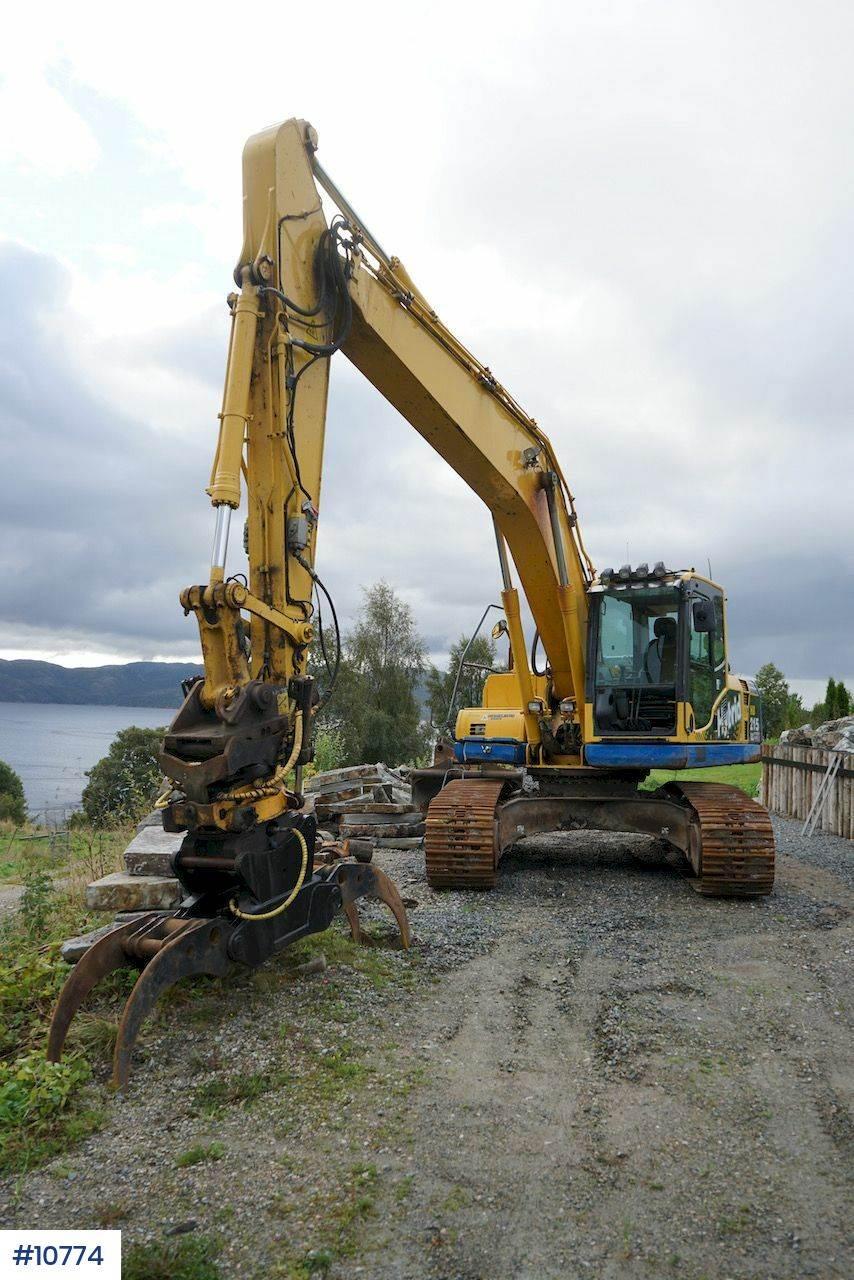 2012-komatsu-hb215lc-1-equipment-cover-image