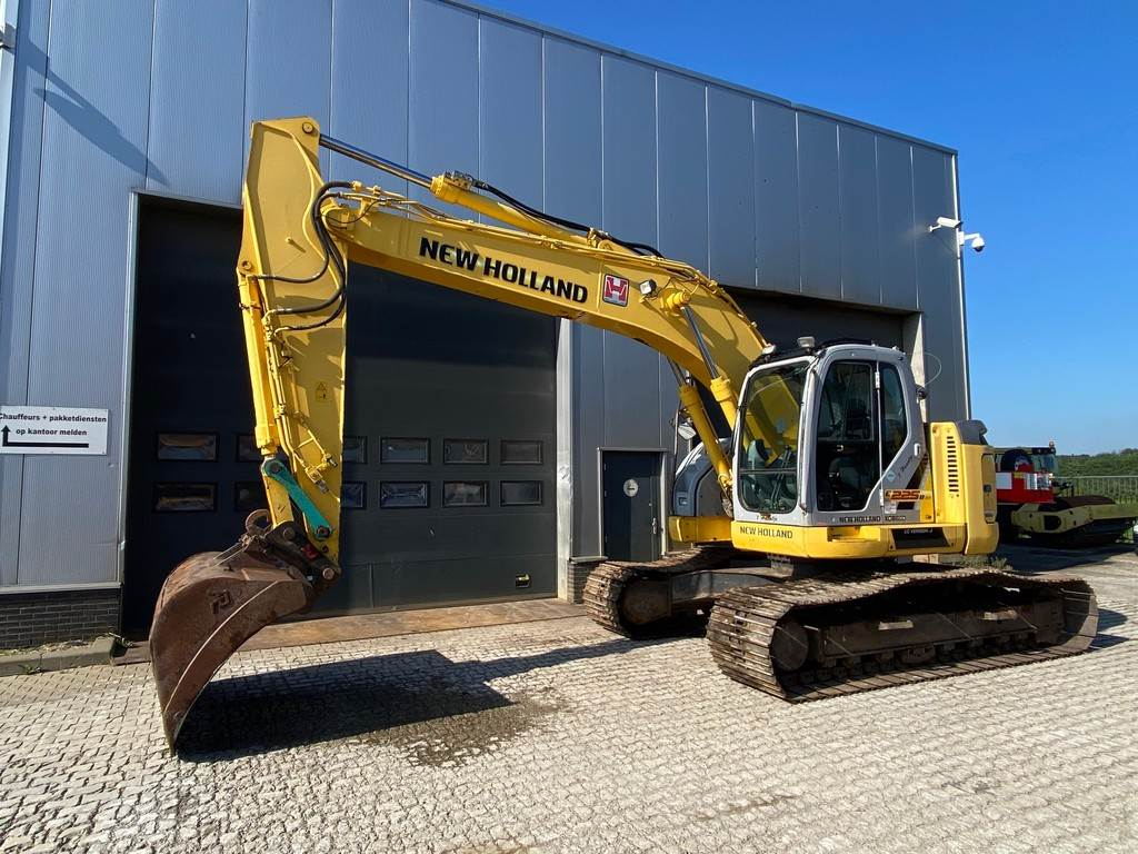 2008-new-holland-e225bsr-equipment-cover-image