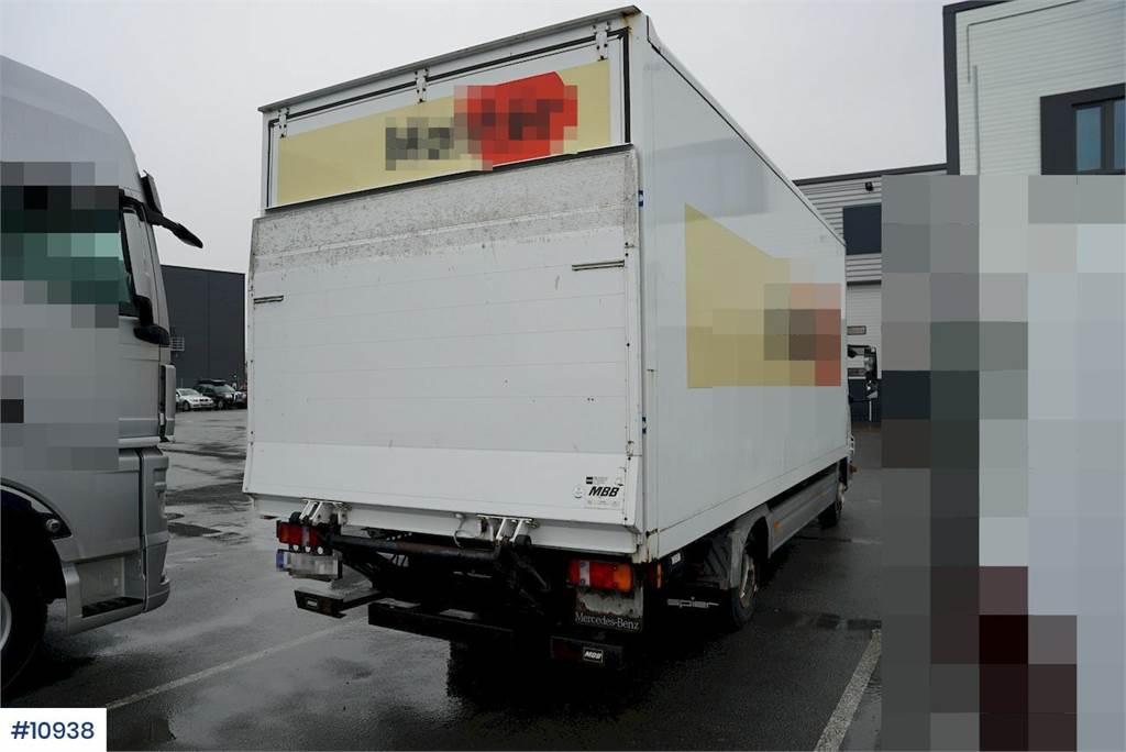 2006-mercedes-benz-815-459956-19747756