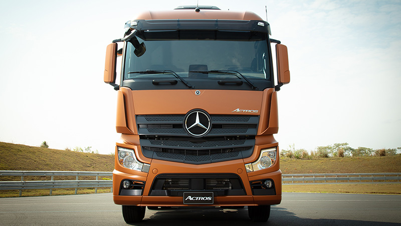 Over 100 Mercedes-Benz Actros for transport company Contatto