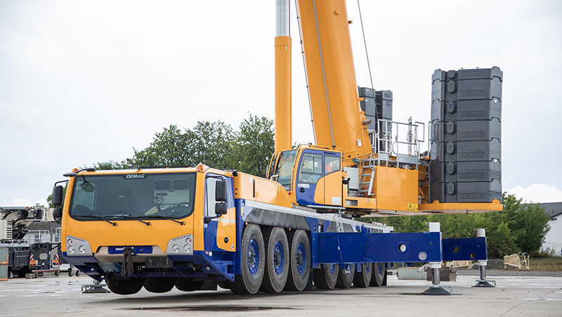 The new AC 450-7 provides flexible traveling capabilities as a result of variable axle loads