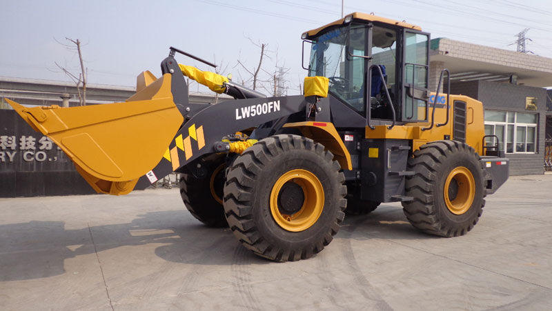 XCMG Delivers 100 Units Of LW500FN Wheel Loaders In Southeast Asia
