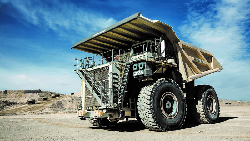 Based on the proven design of the Liebherr T 284, the T 274 offers the customer an incomparable performance.