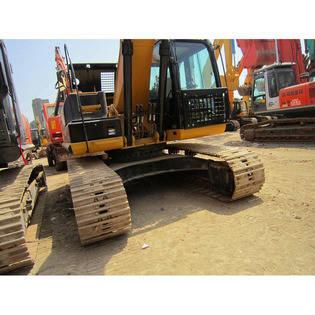 2015-caterpillar-320d-1009035