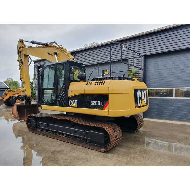 2011-caterpillar-320d-113040-13407615