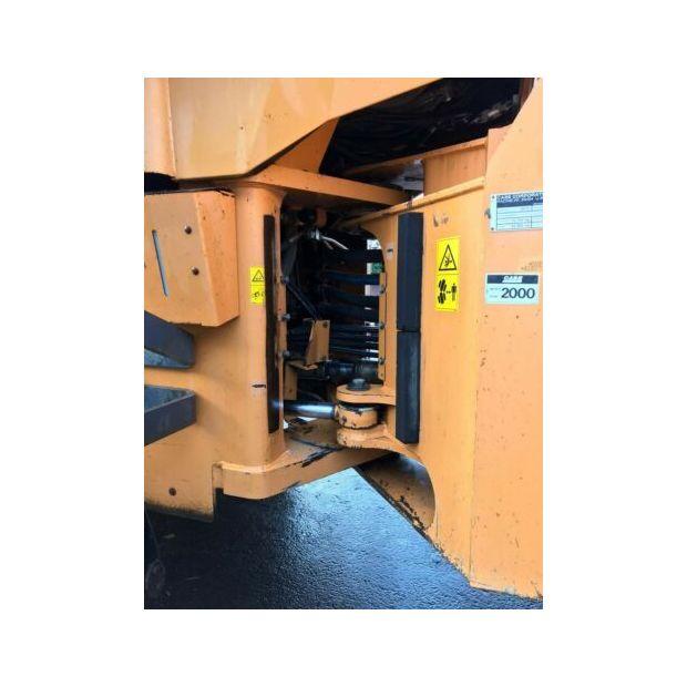 2000-case-921c-121353-14841284