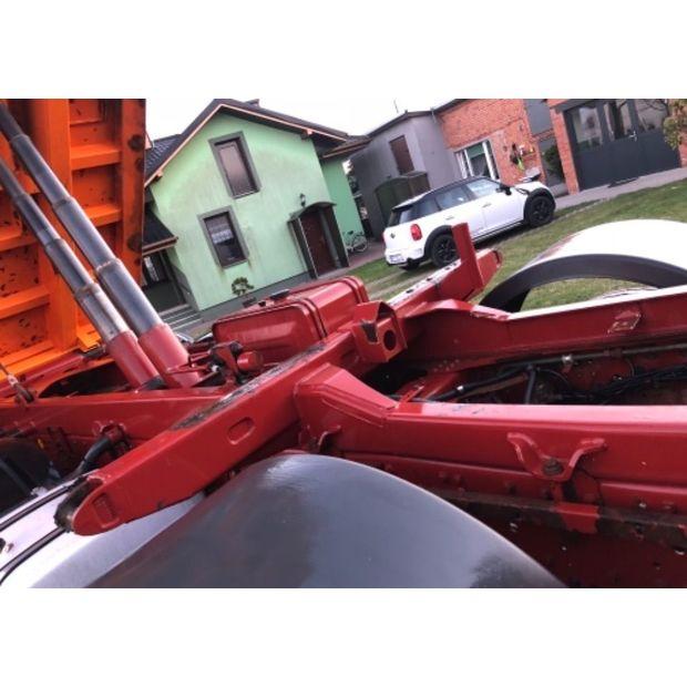 2005-iveco-trakker-15060563