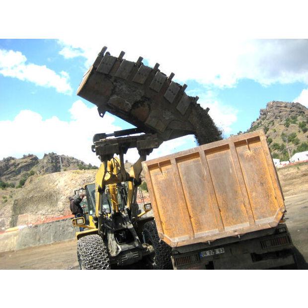 new-komatsu-high-dumping-bucket-15181524