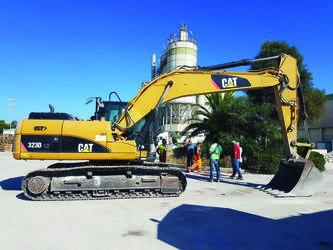 2010-caterpillar-323d-ln-6513-cover-image