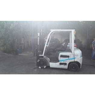 2014-unicarriers-vm300-2n5-cover-image