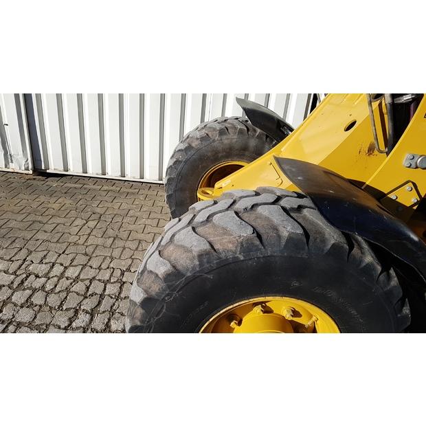 2011-caterpillar-906h-242955