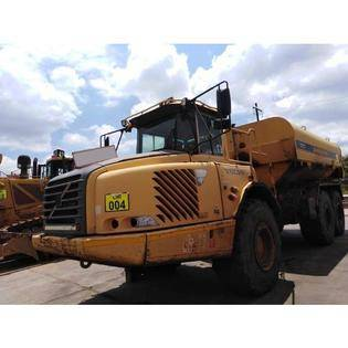 Middle d46 2005 volvo a30d water tanker  south africa