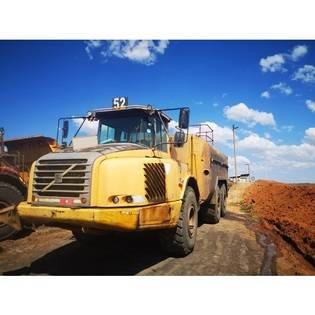 Middle d52 2006 volvo a30d water tanker  south africa
