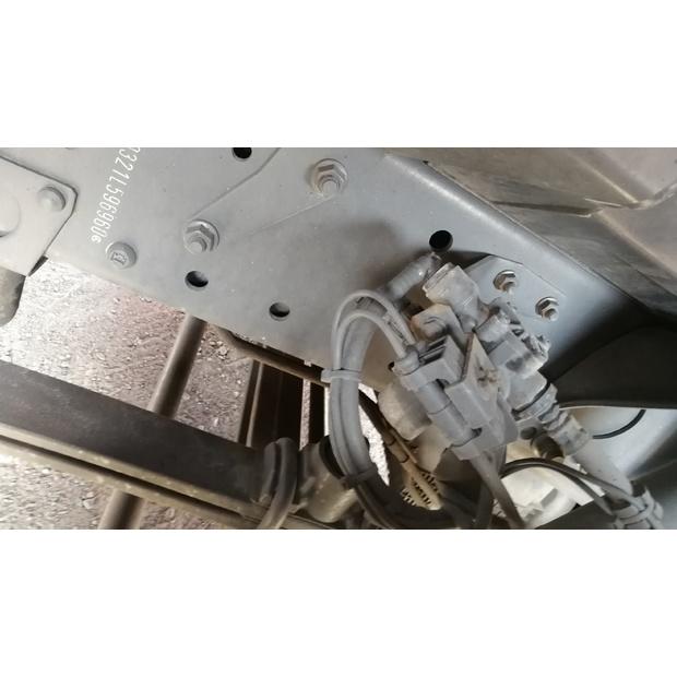 2012-mercedes-benz-actros-1844-72270-5478550
