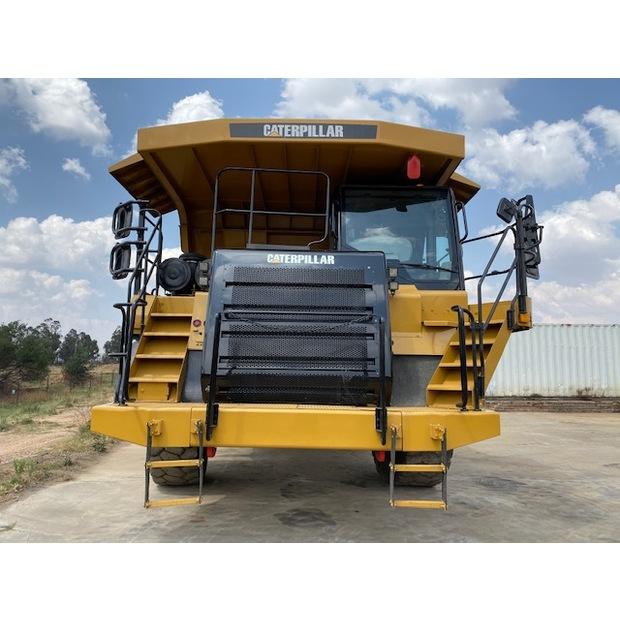2011-caterpillar-773f-7449477