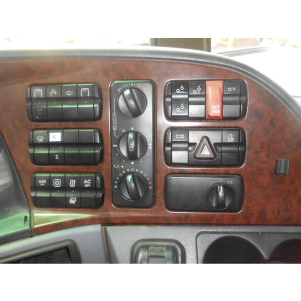 2004-mercedes-benz-mb-2754-9354741