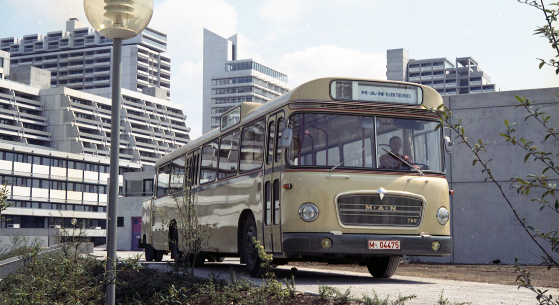 Always driven by alternatives – MAN presented its first electric bus some 50 years ago