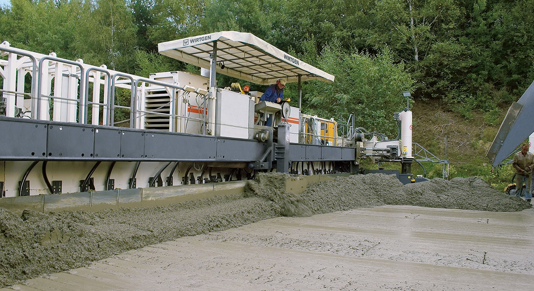 New Sp 154i Slipform Paver From Wirtgen Paves Concrete In Two Layers