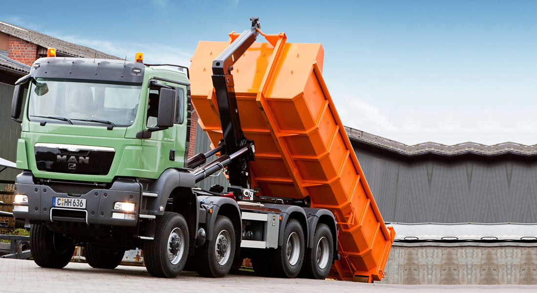 Hiab's MULTILIFT launches two new hooklifts