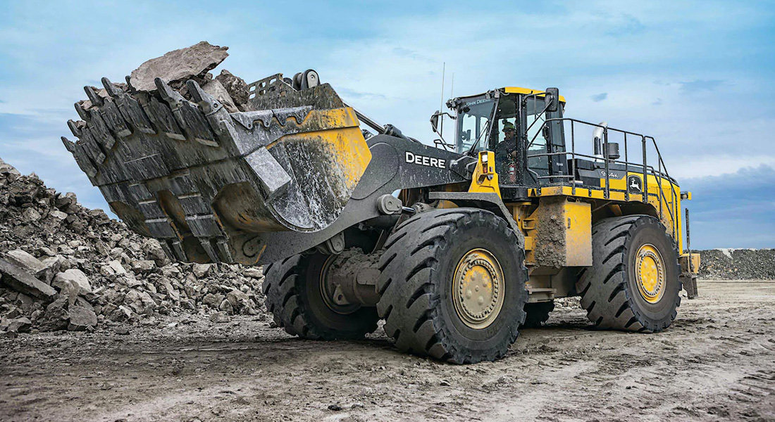 John Deere 944K Hybrid Wheel Loader Reaches 1 Million Field Hours