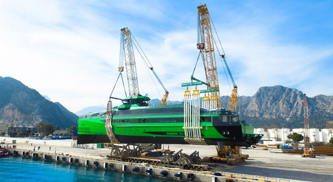 Two Demag CC 2800-1 Cranes Bring 410-Tonne Ship To Water