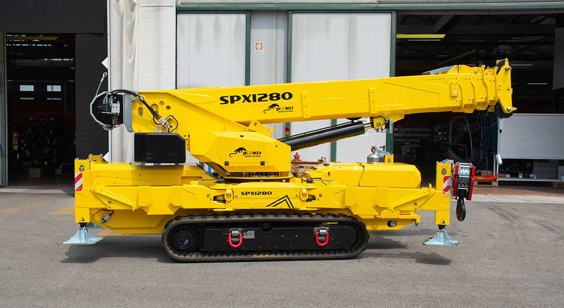 Jekko Develops The First Mini-Crane Fitted For Air Transport