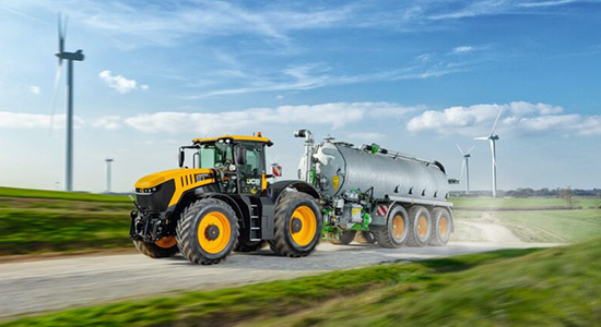 new-jcb-fastrac-8000-series-tractors-with-advanced-suspension-cover-image